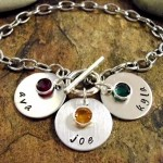 Personalized Jewelry Mommy Bracelet 3 discs by CharmAccents