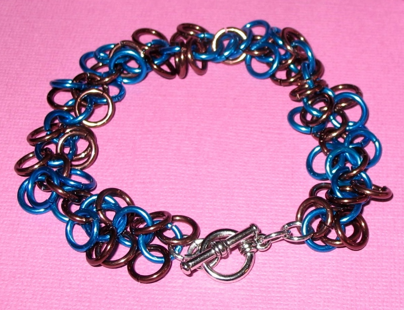 Shaggy loops chainmaille