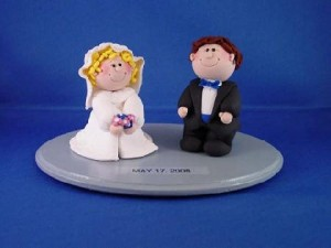 custom wedding cake topper bride and groom