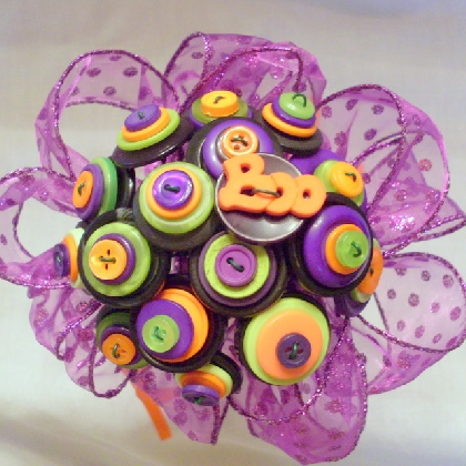 Boo Button Bouquet. Great for being the Bride of Frankenstein!