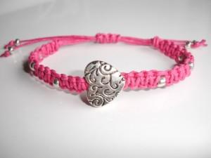 handmade marcrame bracelet