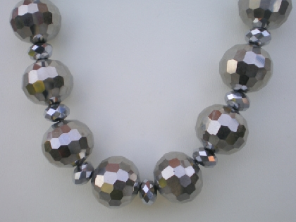 Silver Metallic thunder polished beaded necklace set