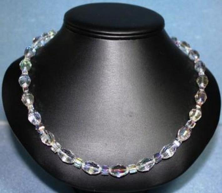 Oval Vintage Crystal Necklace