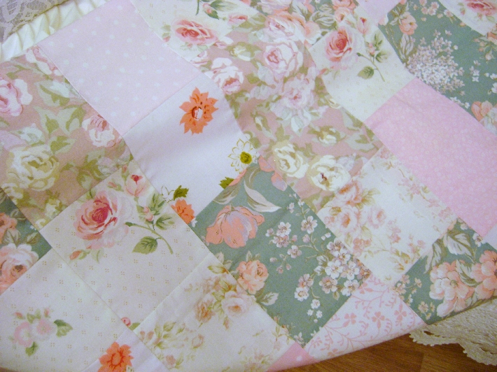 Pink roses patcwork chic table runner