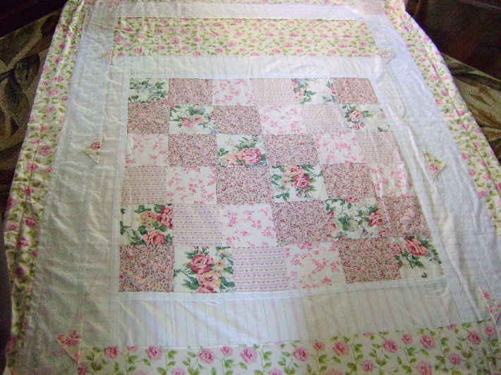 Vintage style patchwork quilt pink roses throw blanket bedcover