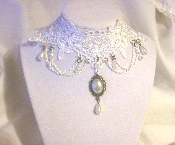 White lace and pearls wedding choker