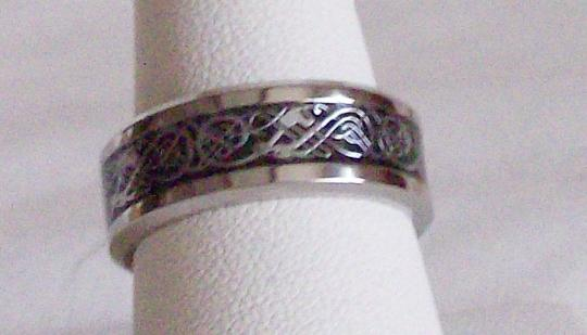 Black and silver Celtic design mens or womens