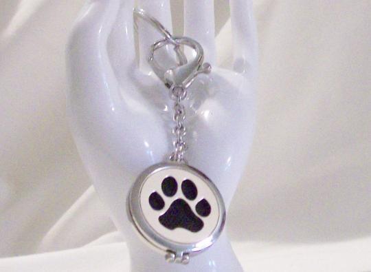 Dog Paw perfume diffuser key chain