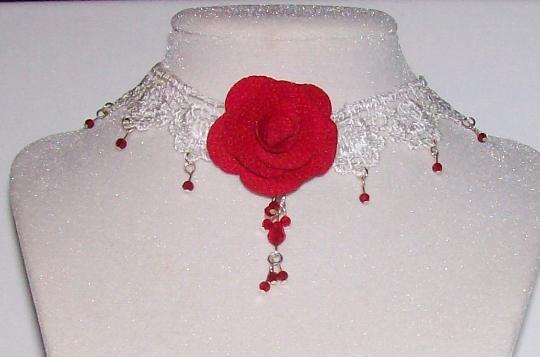 Red flower Christmas choker