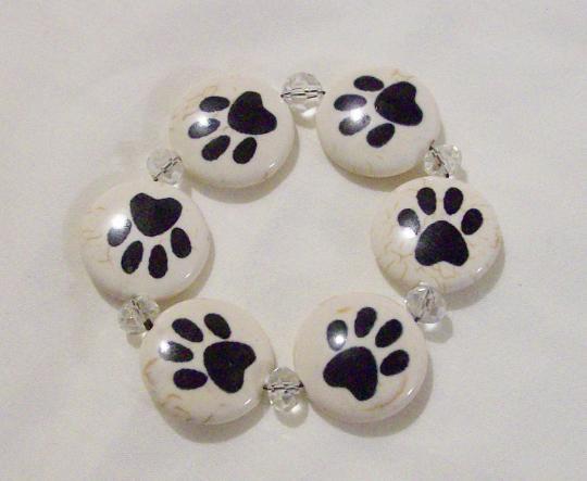 Dog paw stretch bracelet