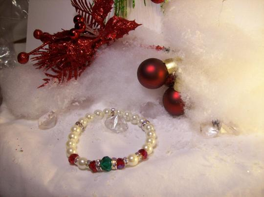 Christmas pearl stretch bracelet
