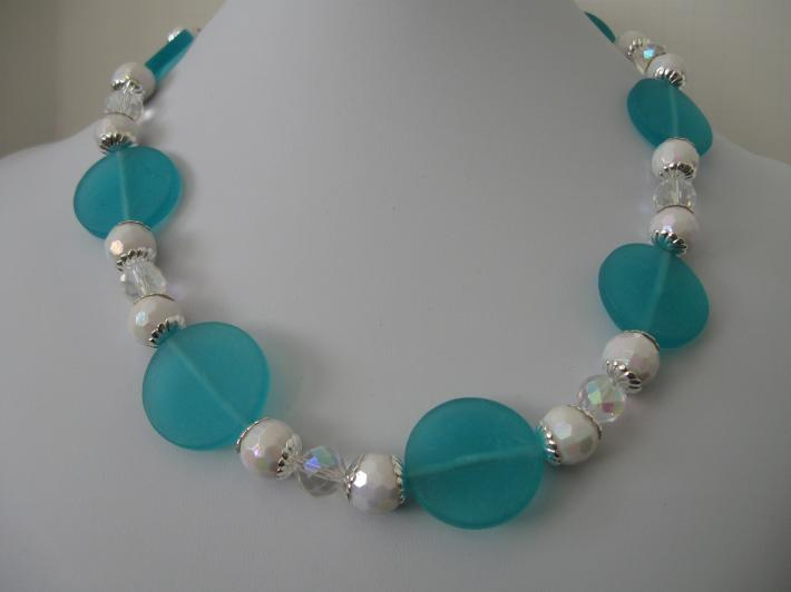 Acrylic Necklace in a Single Strand of Turquoise with White Faceted and Crystal Beads