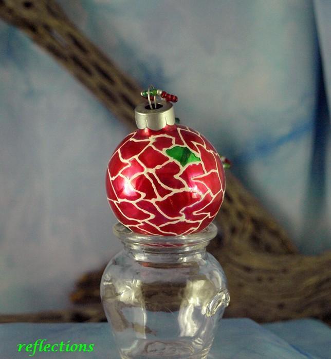Mini Poinsettia Hand Painted Ornament go0138