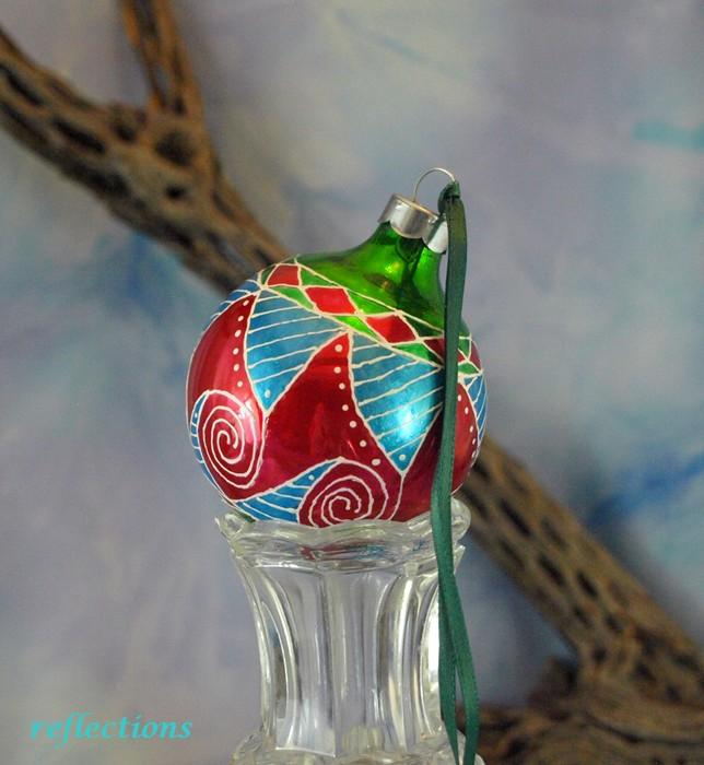 SW Geometric Hand Painted Ornament go0138