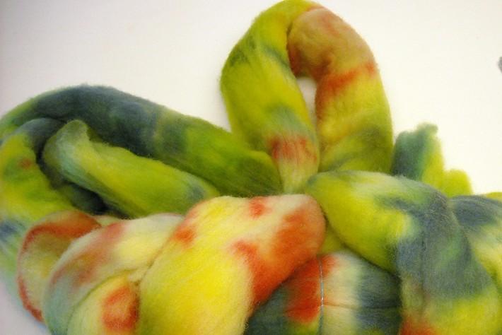 Rainbow Dyed New Zealand Wool Roving 4oz