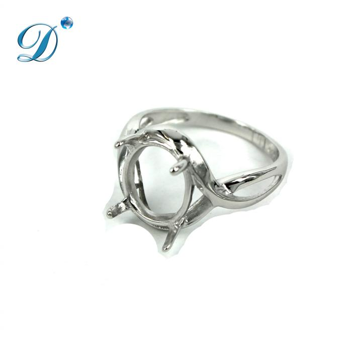 Ring with Oval Prong Mounting in Sterling Silver 8x10mm