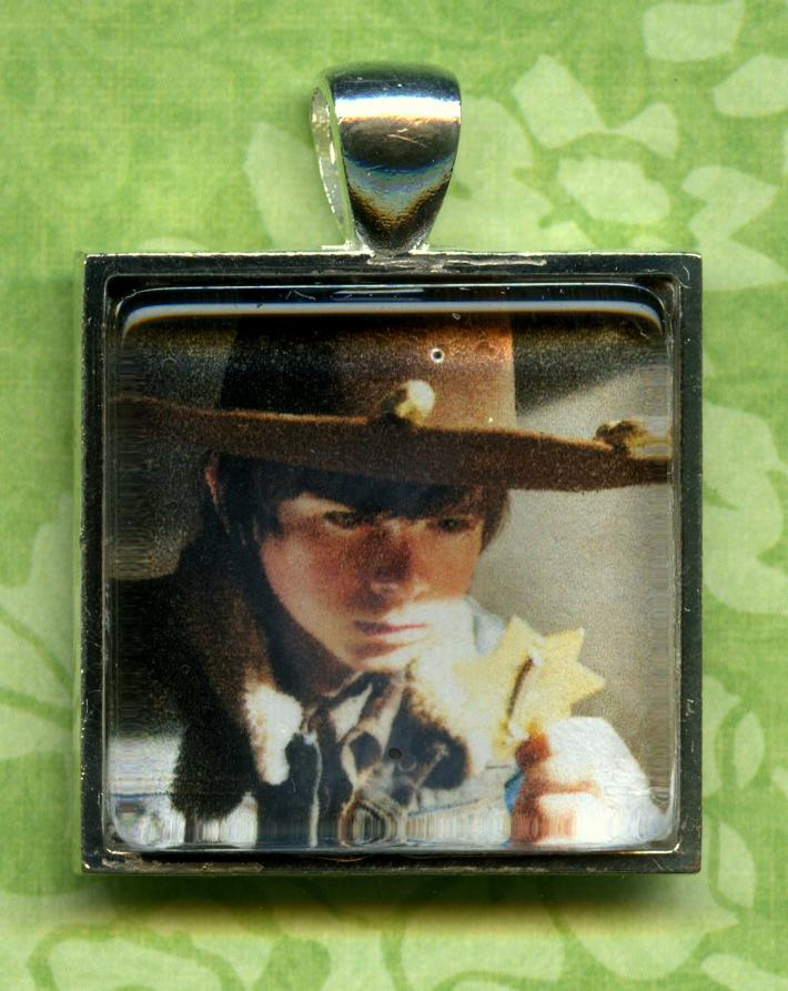 Carl Grimes Chandler Riggs Walking Dead Pendant Necklace Key Chain Zipper Pull Lamp Cord