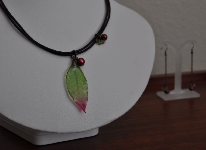 Green Leaf Pendant Pearls and Peridot on Leather