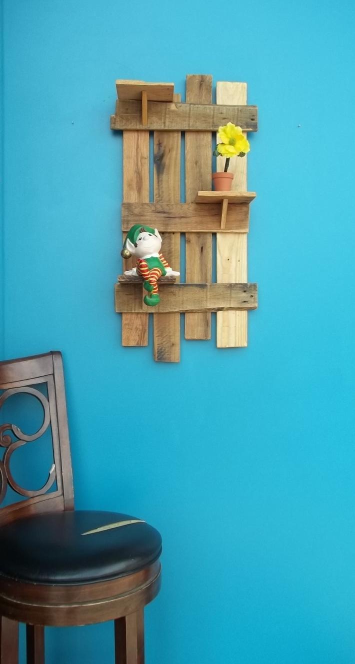 Rustic Knickknack shelf