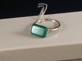 Fine Silver Emerald Green Glass Ring