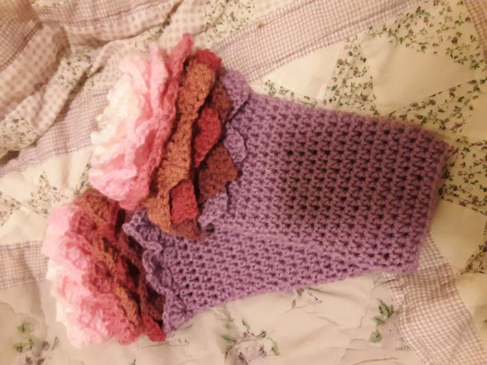 Scaled fingerless glove size large