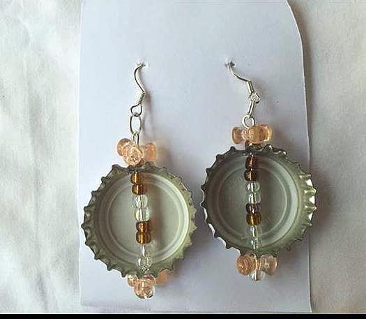 stella artois gold white and peach tribead upcycled bottlecap earrings on handmade artists 39 shop. Black Bedroom Furniture Sets. Home Design Ideas