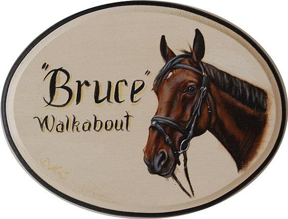 Personalized stall sign with realistic horse portrait painting