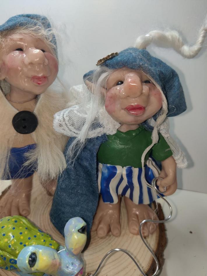 Trolls Sarafina and Garibaldia