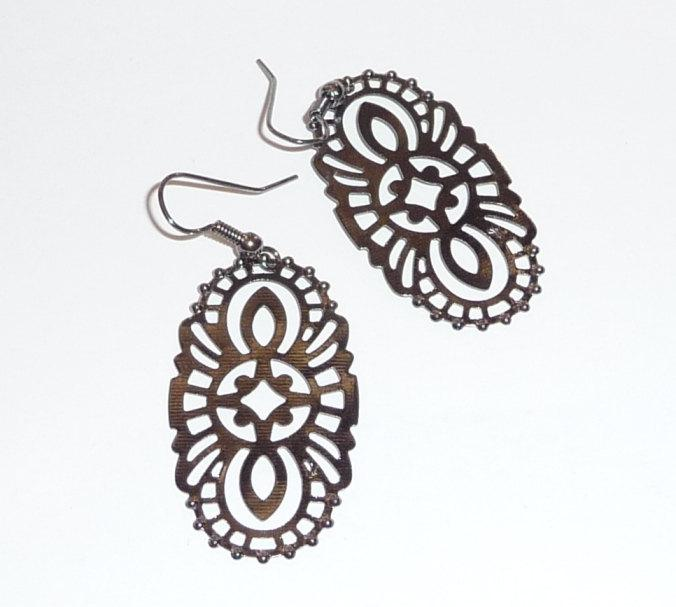 Lace earrings oval donut gunmetal grey oxidised patinated hippie hoops boho bohemian art deco floral