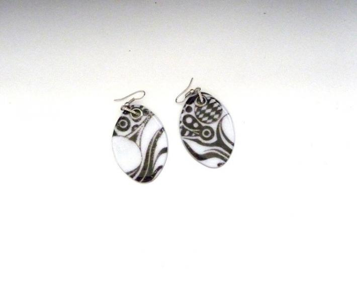 Tribal earrings black and white polymer