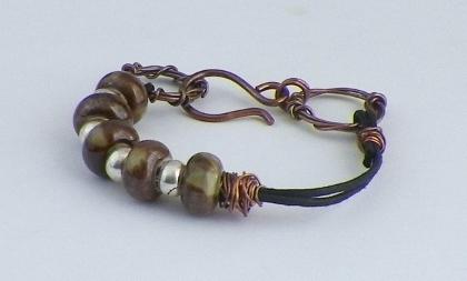 Porcelain and Leatherette Bracelet