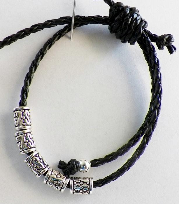 Sliding Knot Leather Bracelet