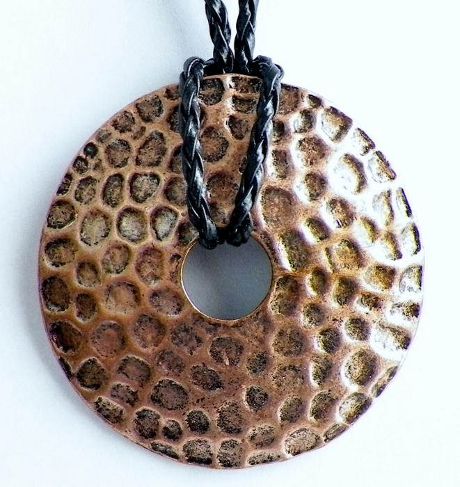 Texture Dome and Leatherette Necklace