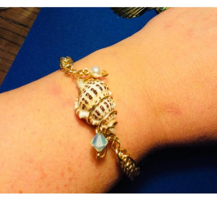 Golf Half Persian Chainmaille Bracelet with Wire Wrapped Seashell