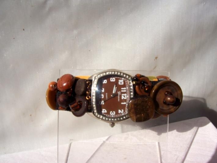 Autumm leaves and fall Vintage BuTTon Watch