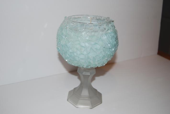 24 ounce soy wax broken glass candle on frosted glass base
