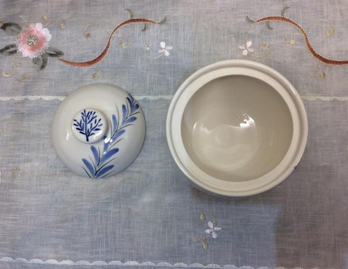 Cobalt blue leafed porcelain jar with lid