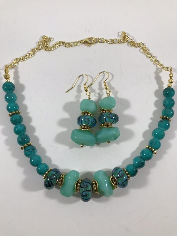Turquoise green necklace