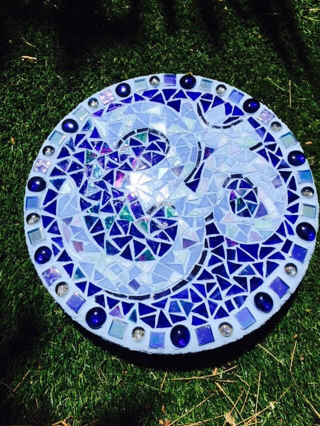 Om stepping stone