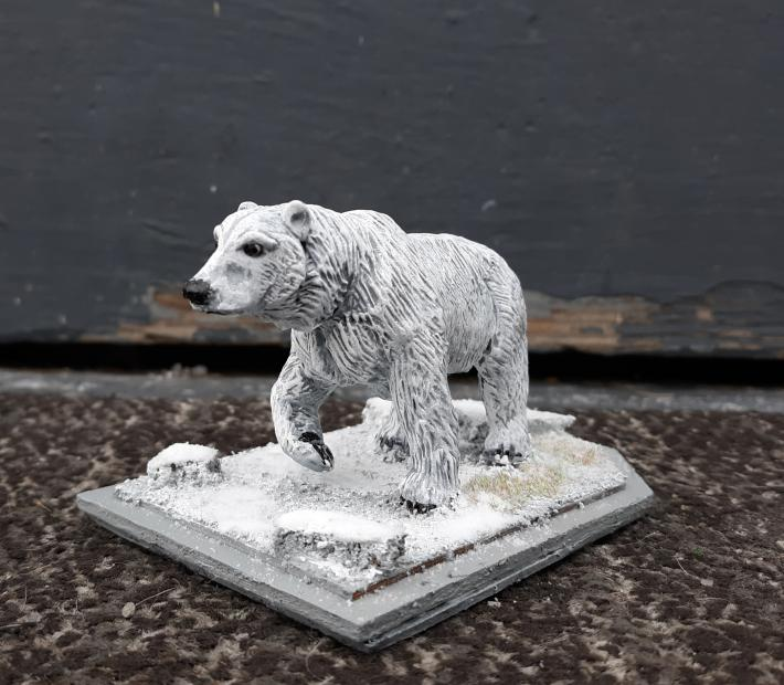 King of the arctic polar bear sculpture