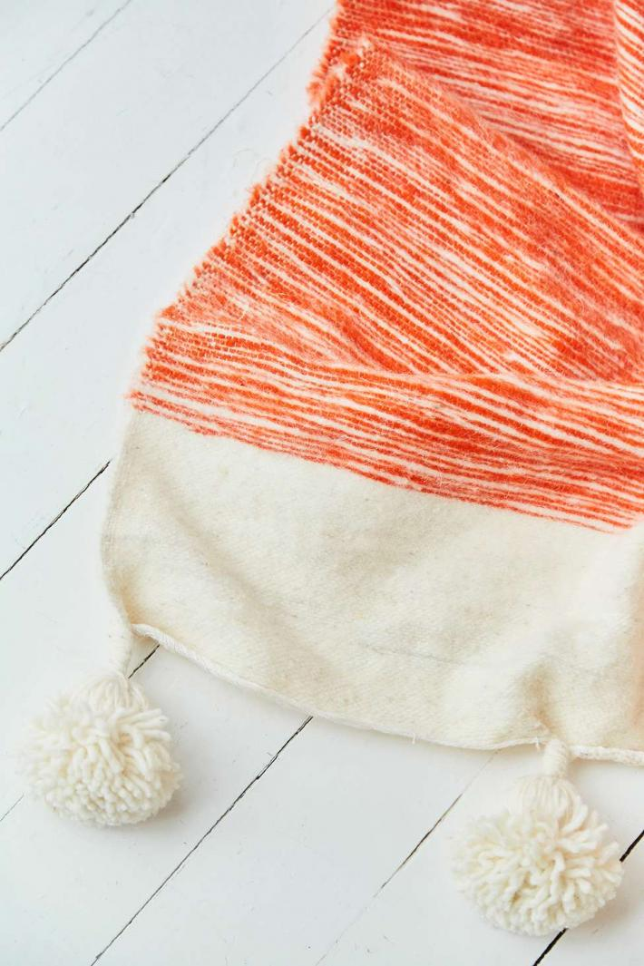 Moroccan wool blanket with pom