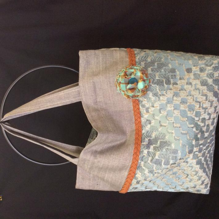 Fabric lined tote