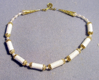 Paper bead necklace white with gold endcaps