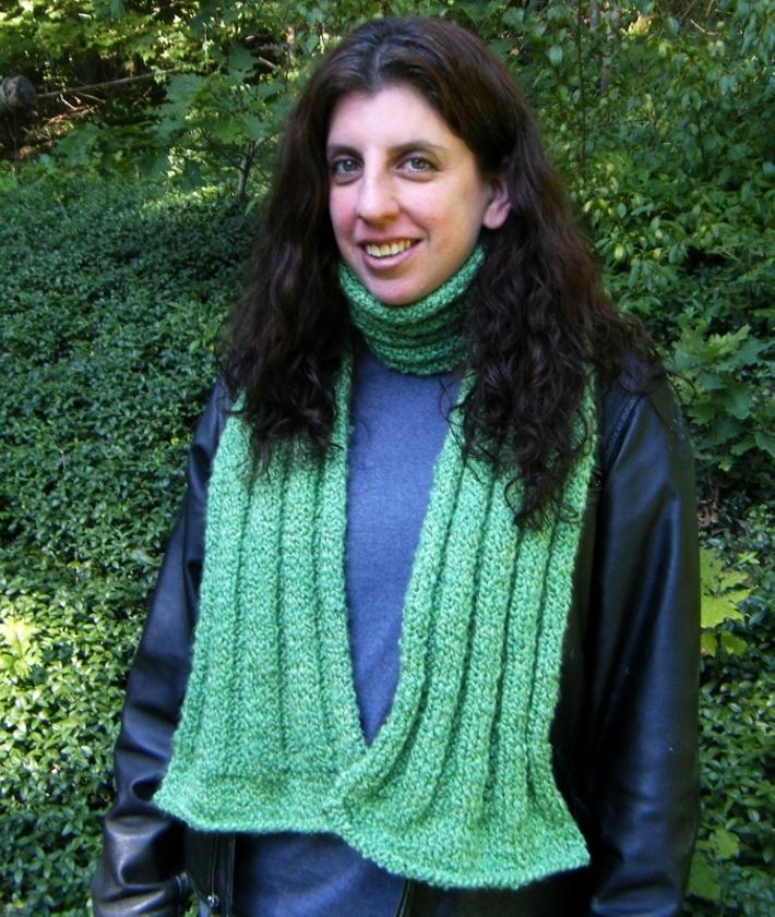 Shimmery Apple Green Ribbed Scarf