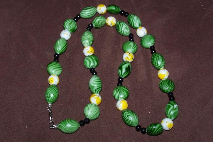 DLR1 Sea Foam Green Bead Necklace