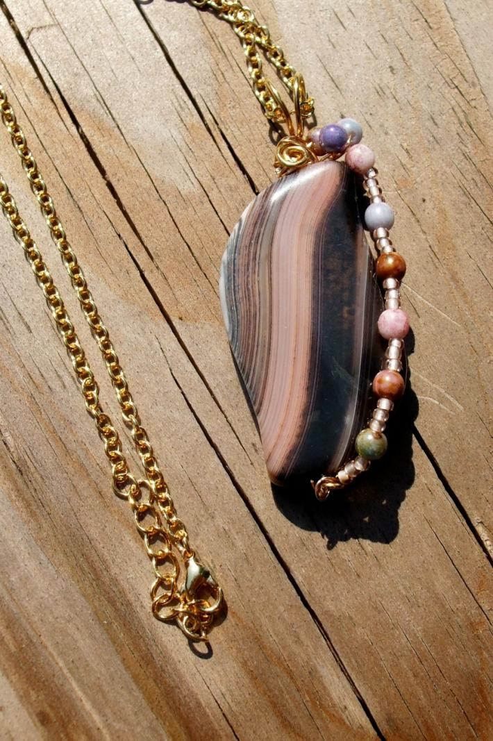 Necklace With Wirewrapped Agate Pendant
