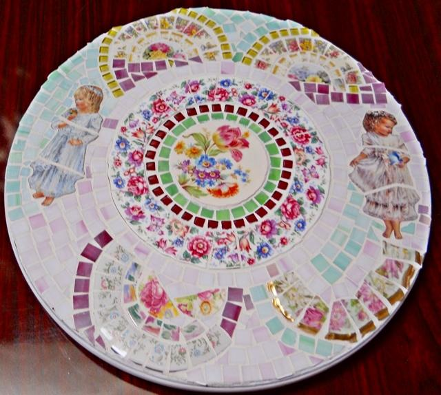 Large Handmade Mosaic Lazy Susan Broken cut china plate rim Mosaic