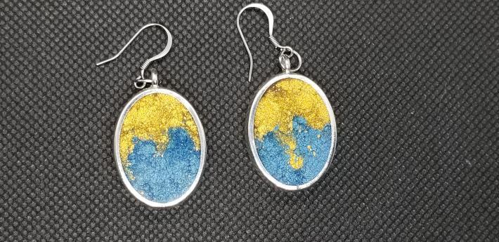 Silver resin earrings