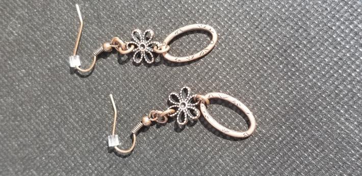 Dainty Floral Earrings