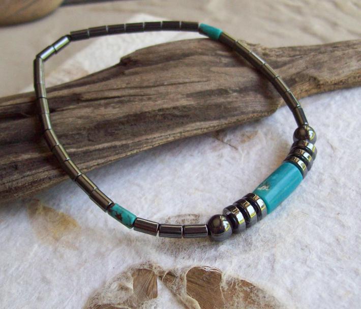 SIRIUS Hematite Beaded bracelet with American Turquoise cylinders